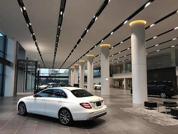 賓泓賓士全功能據點正式啟用,寬廣舒適的賞車空間,將成為台南全新地標。