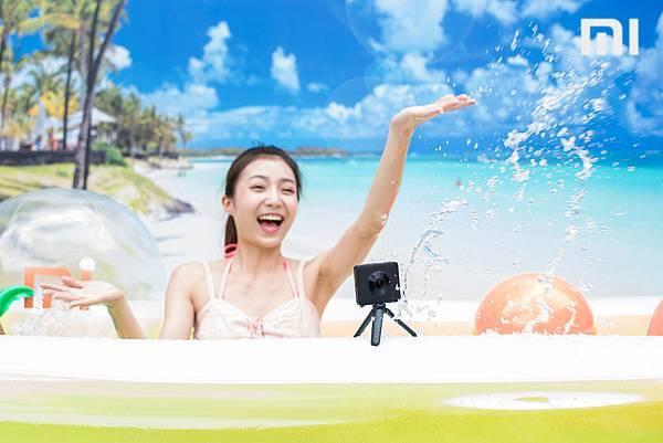 小米今同步推出「米家全景相機」套裝,擁有360度全景、2388萬有效像素,並支援IP67 防水防塵規格,上山下海的每一瞬皆能一拍即得,將於6月28日開賣,售價7,995元。