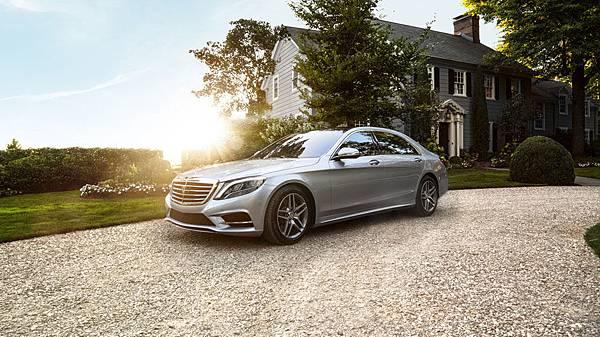 掌握成功人生,展現王者風範,Mercedes-Benz S-Class新車享豐富優惠,所有年式同步適用「三年租賃專案」