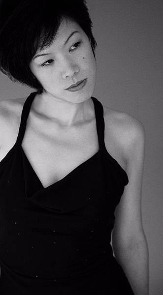 女歌手唐么玫有著少見的磁性低沈沙啞的獨特嗓音