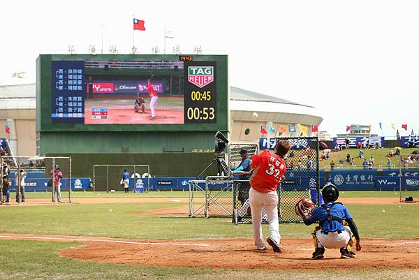 2017 CPBL中華職棒明星賽全壘打大賽精彩畫面,林智勝挑戰三分鐘內擊出最多全壘打