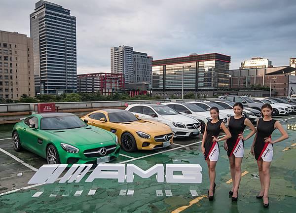 當家跑車GT S絕美現身,成為Mercedes-AMG性能大軍車聚最耀眼的焦點