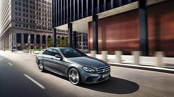 W213世代E-Class於指標性的車輛撞擊安全權威測試機構Euro NCAP測試中,獲得五顆星的最高安全評價