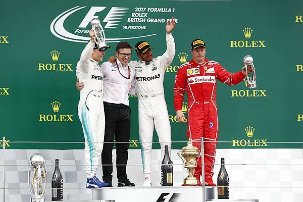 Mercedes-AMG Petronas Motorsport車隊一舉攻佔冠亞軍,於英國站演出完美戲碼,宰制力傲視群雄