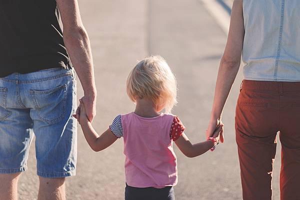 Expedia親子旅遊調查,顯示4成台港家長因擔心課業不想帶孩子暑假出遊(圖片來源Expedia智遊網)