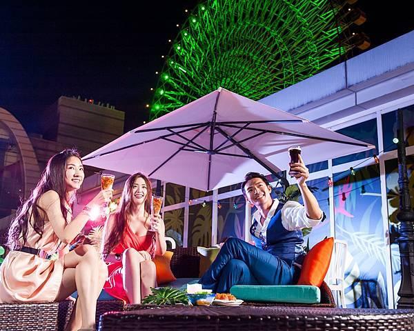 圖4.金色三麥餐廳今夏打造潮流新熱點,全新概念酒吧空間Sky Bar坐落大直美麗華,以綠意都市叢林設計風格,提供絕佳派對聚會空間。