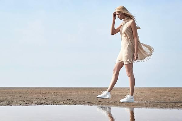 ECCO SOFT 8 女鞋模特形象圖