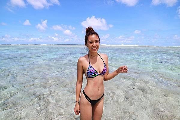 Voda Swim-綁帶美胸比基尼長灘島款上身 設計感下身$2,560_Angelina