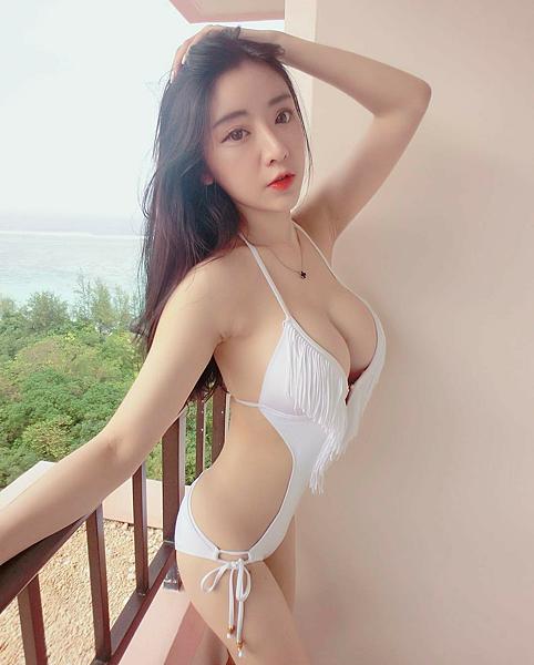 Voda Swim-流蘇連身露腰美胸白色比基尼$5,950 @tamara1228