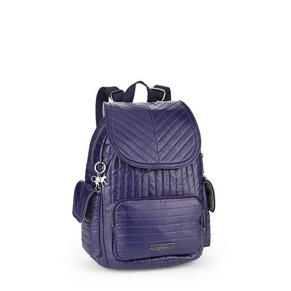 圖4.KIPLING 2017 秋季「完美打包」系列特別推全新閃藍 CITY PACK 後背包及一系列紫紅色系的手提包,讓你可搭配不同風格的秋裝,同時能隨時隨地帶着 KIPLING 背包探索城市風貌