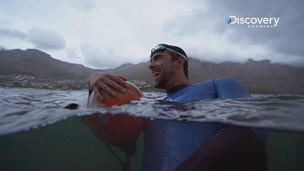 菲爾普斯於低溫的海水中完成人鯊競賽的挑戰