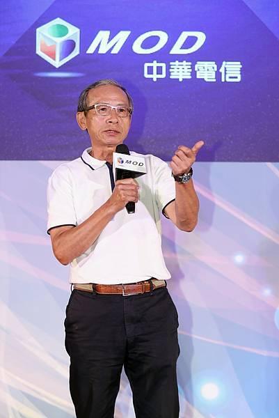 圖二:MOD全新年度代言人吳念真導演出席記者會,強調「總統都可以自己選,為什麼看電視不行?」(中華電信 提供)