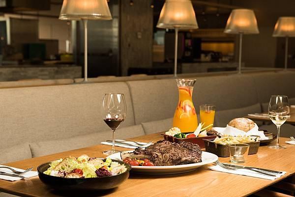 四人牛排分享餐_圖片提供_台北松山意舍酒店