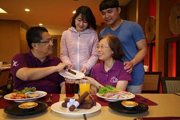 圖說2-2017雲品溫泉酒店父親節活動,於丹彤用午餐及晚餐即贈每人雪茄巧克力