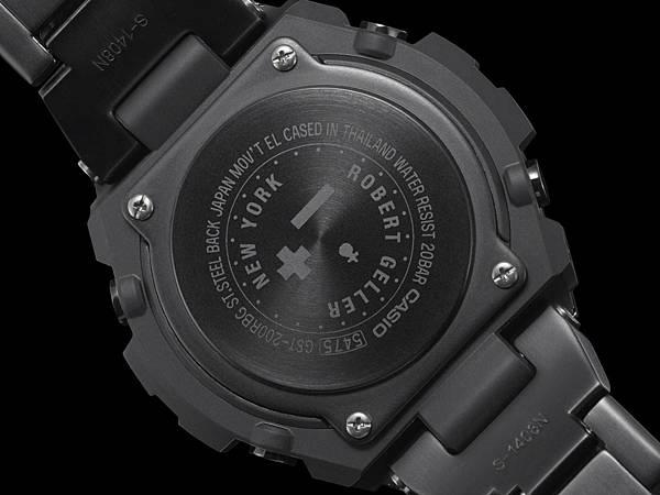 錶背刻有NEW YORK、Robert Geller象徵聯名等圖樣