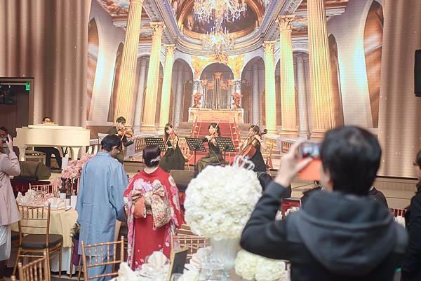 雲品國際將於9月9日、10日辦理結婚採購節,將集結60家婚宴業者提供新人們婚禮採購新選擇,並將在當日推出婚宴包套1元競標優惠及現場預訂超殺優惠價 (4)