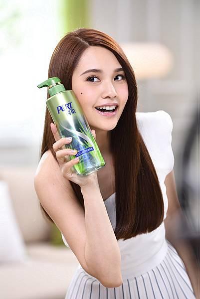 楊丞琳擔任飛柔全新品牌代言人,帶起秀髮卸妝新風潮