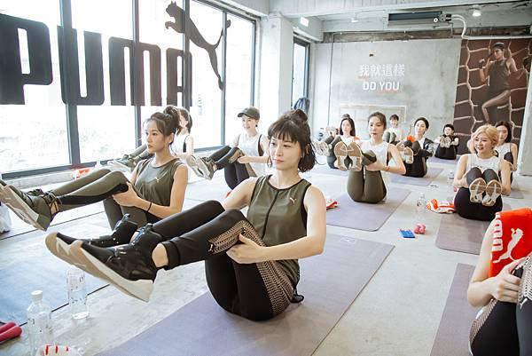 林意箴、江宜蓉體驗PUMA香氛瑜珈活動