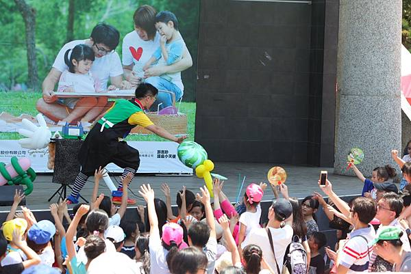 亞尼克寫生比賽舞台活動,吸引諸多親子一同歡樂遊玩