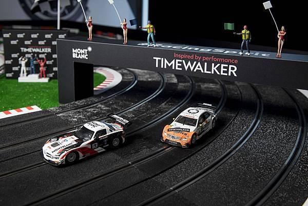 02.活動現場設置了國外風行近50年的電刷車(Slot car)讓與會貴賓一同較「競」,傳達TimeWalker的極速快感體驗,多元且的內容為活動帶來趣味與高潮