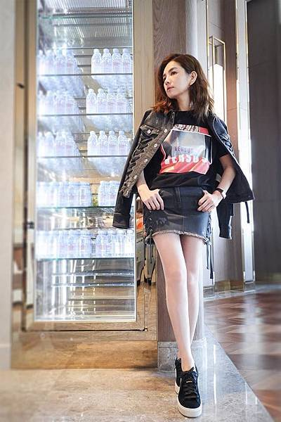 Ella(陳嘉樺)穿著Zayn X Versus聯名系列_3