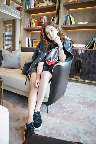 Ella(陳嘉樺)穿著Zayn X Versus聯名系列_4