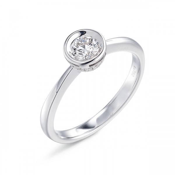 點睛品Infini Love Diamond Iconic 18K白金鑽石戒指-主石30分 建議售價NT$72,400起