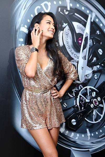 3. 王麗雅翻轉造型,以充滿個性的搭配,演繹芝柏頂級複雜功能腕錶創新概念