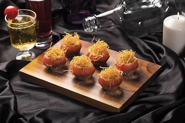 圖4.番茄爆炸頭 $320元,多汁「番茄方舟」溫室果園番茄加上酥脆菇絲、軟嫩菇片,創造全新口感層次。