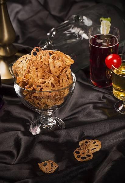 圖7.005的藕然 $180元,0.05公分的極致薄片刀工,炸出蓮藕的鮮甜,酥脆、清爽、超下酒。