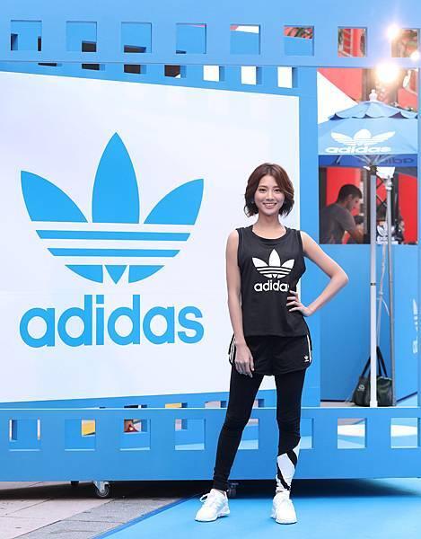 蔡黃汝出席adidas Originals Film House 三片葉巡迴電影院開幕,穿著全新EQT服裝系列與鞋款