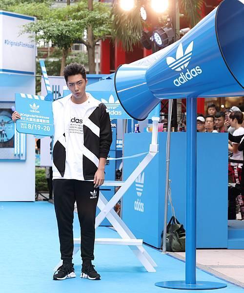 蔡凡熙出席adidas Originals Film House 三片葉巡迴電影院開幕,穿著全新EQT服裝系列與鞋款