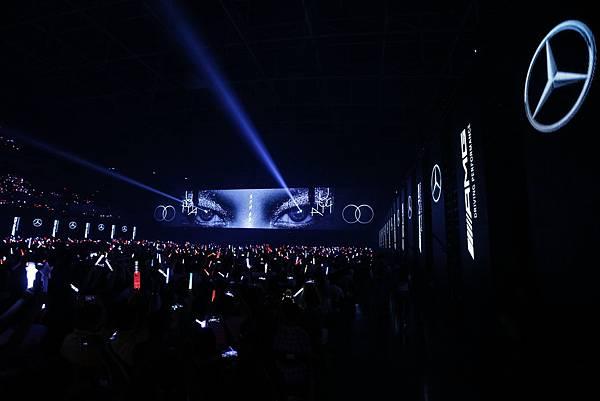 台灣賓士冠名贊助「aMEI 烏托邦2.0慶典 世界巡迴演唱會」,經典金曲喚醒歌迷20年音樂回憶,帶給全場一次次的感動與震撼