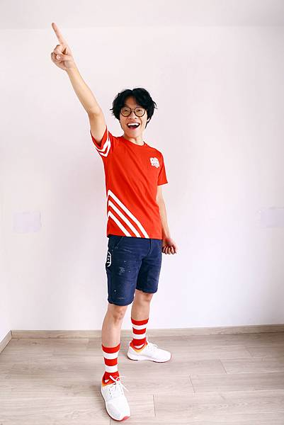 1.國民暖男神盧廣仲受邀擔任「麥當勞紅襪愛路跑」領跑大使,快來和盧廣仲一起穿上紅白襪為愛而跑!