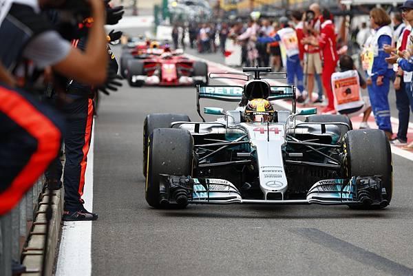 Mercedes-AMG Petronas Motorsport車隊Lewis Hamilton奪下生涯第68次桿位平車神Michael Schumacer紀錄