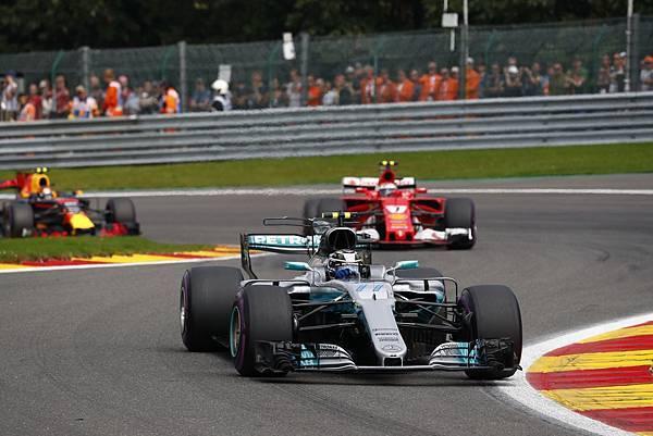 Mercedes-AMG Petronas Motorsport車隊以總分392於車隊積分榜上位居領先