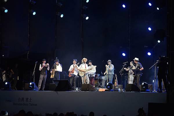兩廳院夏日爵士音樂營菁英大樂團與泥灘地浪人的爵士魅力折服廣大樂迷的心