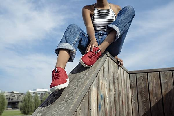 【訊息稿照片1】ECCO SOFT 1 女鞋_紅_原價$4,680 折扣後$3,978