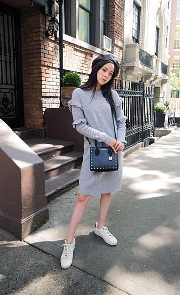 歐陽娜娜肩背Mercer星星方型小提包游走於紐約街頭