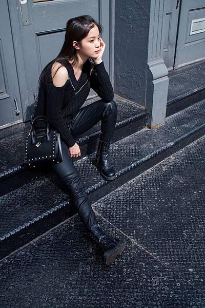 歐陽娜娜肩背Mercer方型小提包游走於紐約街頭 (6)