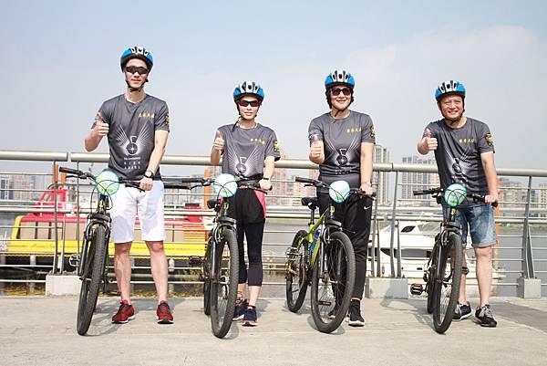 由左至右為-奧運桌球金牌王勵勤+奧運跳水冠軍吳敏霞+排球傳奇女將李國君