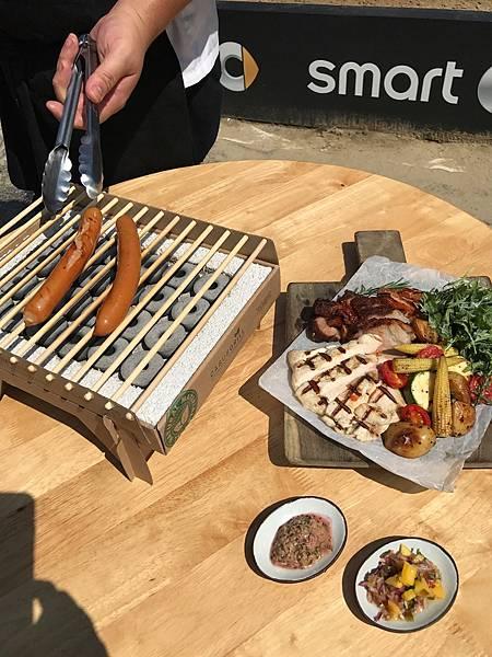 BBQ Party 採用超夯丹麥工藝烤肉架,時尚又環保