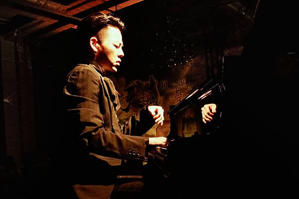鋼琴暖男T.L.江天霖-1