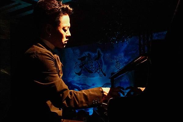 鋼琴暖男T.L.江天霖-2