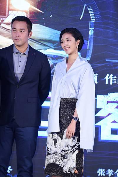 桂綸鎂出席電影《巨額來電》首映會,116495 萬寶龍Bohème寶曦系列萬年曆珠寶腕錶限量款-3