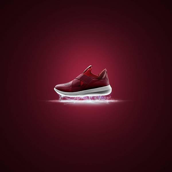 【ECCO新聞稿圖片4】 SCINAPSE襪套款女鞋形象_紅_$5380