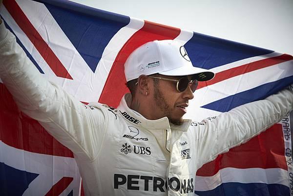 Lewis Hamilton 在 2017 年墨西哥站以 56 分的絕對優勢提前封王,生涯第四冠入袋
