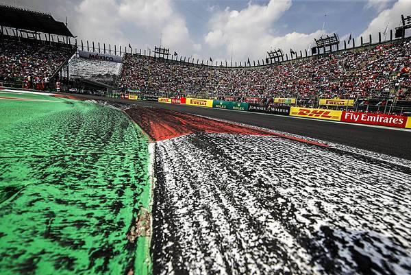 2017 年 F1 第 18 站再度於墨西哥城 Autódromo Hermanos Rodríguez 賽道舉辦,超過 2250m 的高海拔地形成為此賽道特色