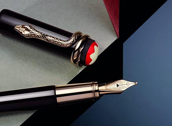 萬寶龍Rouge&Noir傳承系列紅與黑書寫工具特殊色-熱帶棕,NT$27,700_情境圖