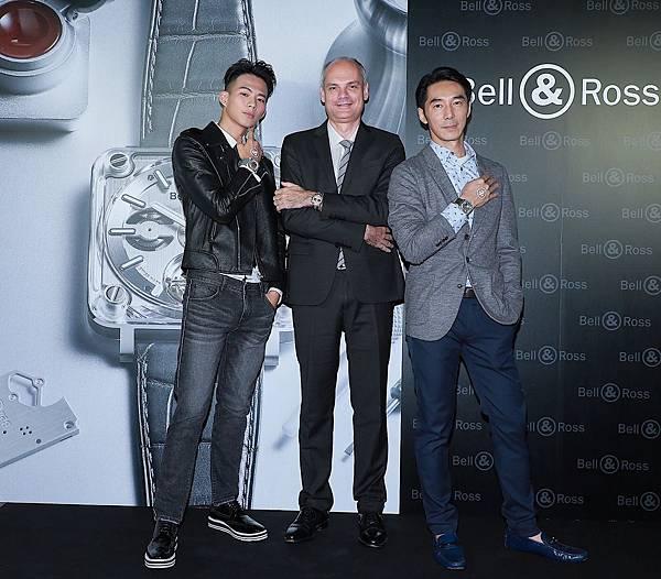 新聞照片1_Bell & Ross 總經理與李李仁、吳念軒合照,預告X系列試驗腕錶正式上市,11月16日於台中寶鴻堂展出